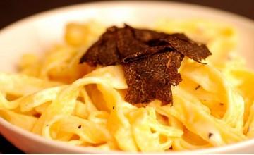 Pasta und frische Trüffel